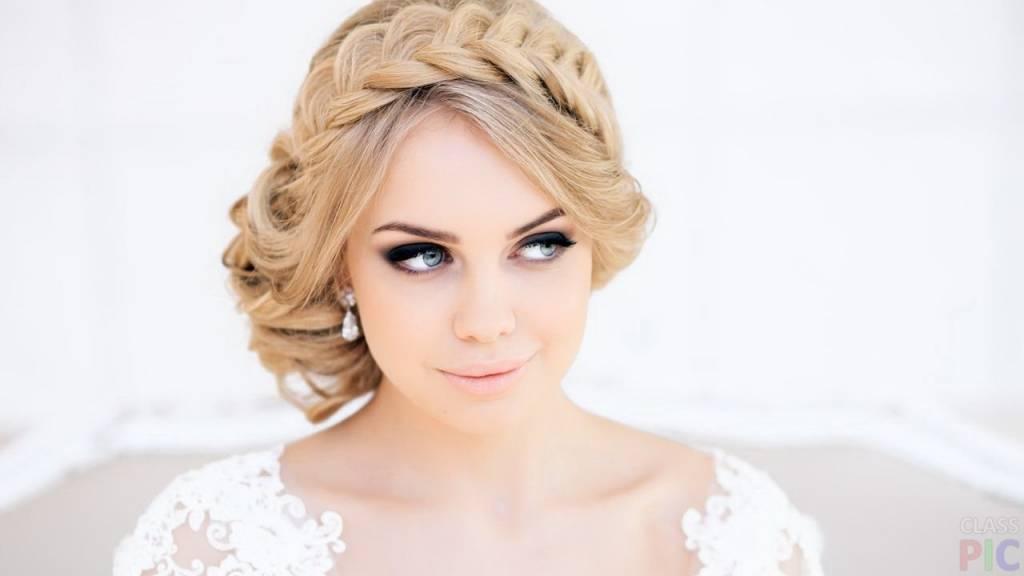 Причёски на выпускной для круглого лица на средние волосы